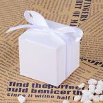 scatoletta con confetti